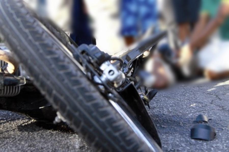 Center acidente moto ilust widelg