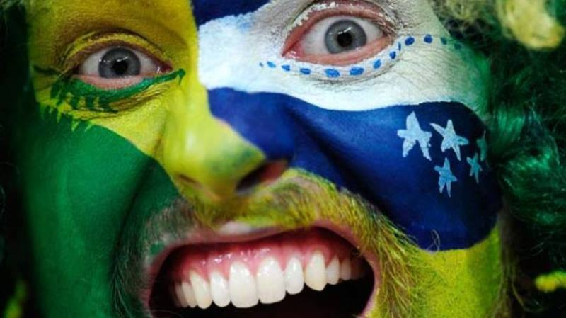 Size 810 16 9 pessoa bandeira do brasil